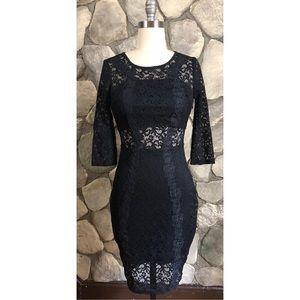 Bebe lace cut out keyhole dress size Small